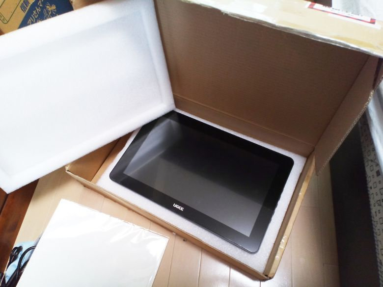 Ugee HK1560 箱