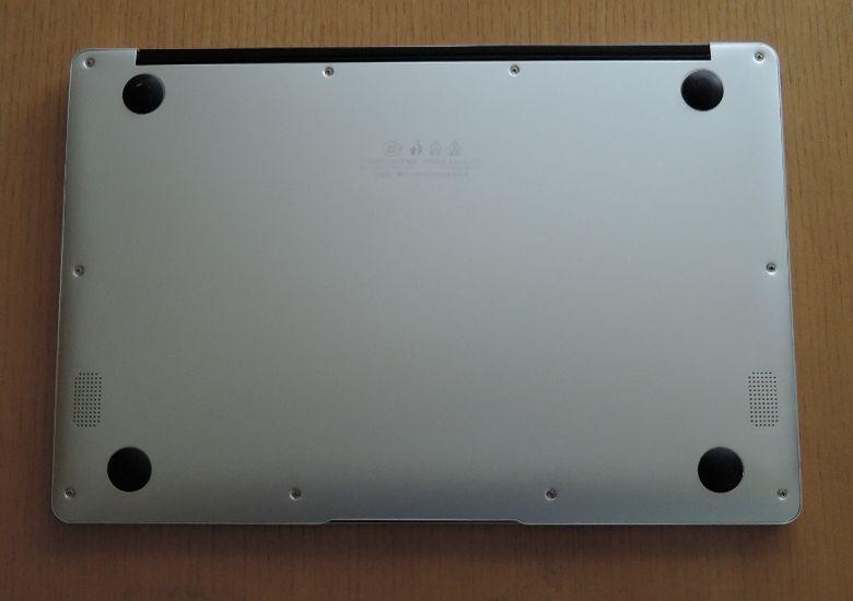 Jumper EZbook 3 Pro 底面