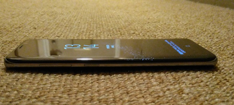 Galaxy S8 左側面