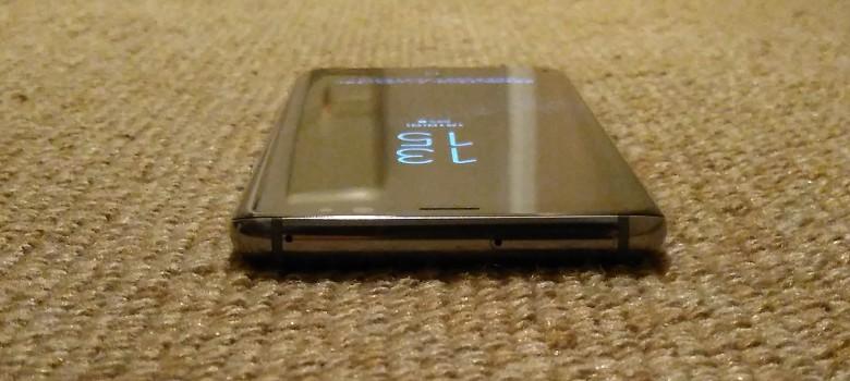Galaxy S8 上部