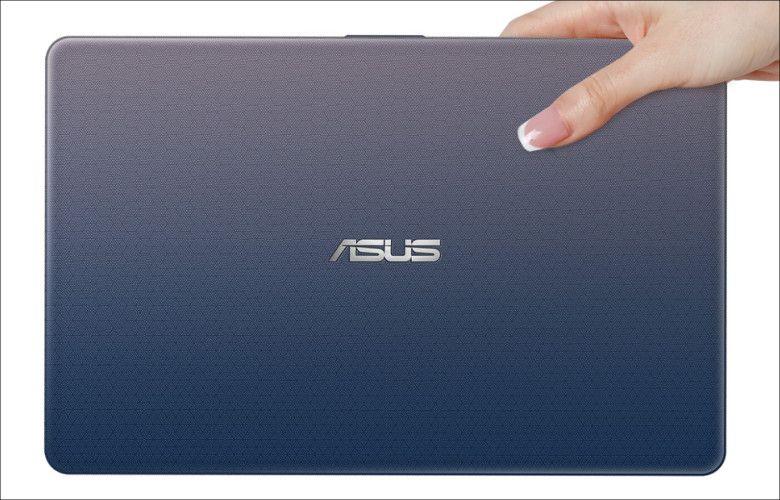 ASUS VivoBook E203NA 天板