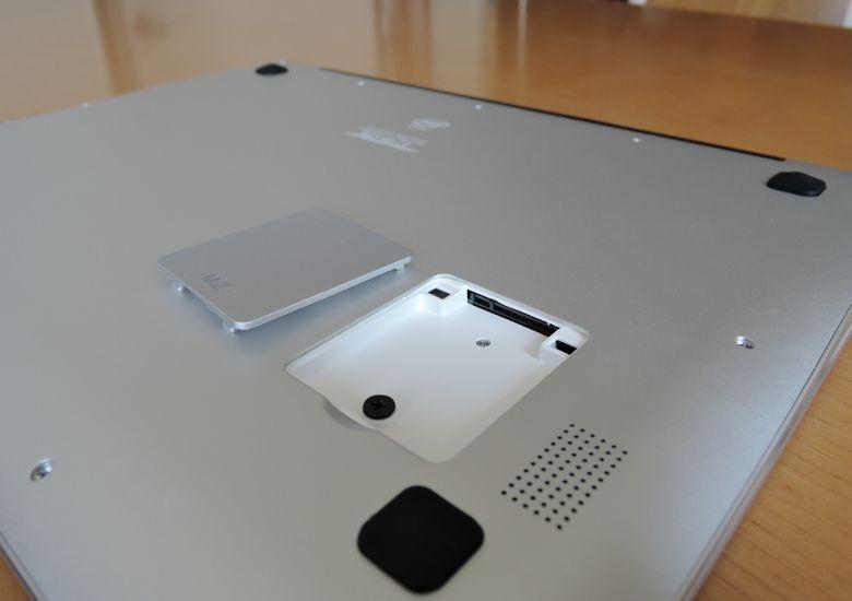 Chuwi LapBook 12.3 M.2 スロット