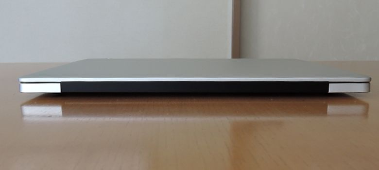 Chuwi LapBook 12.3 背面