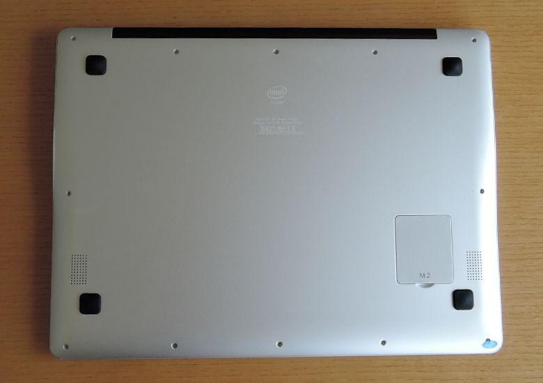 Chuwi LapBook 12.3 底面