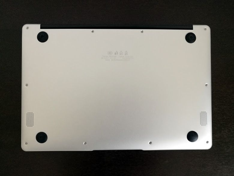 Jumper EZBook 3 Pro Rydeen 底面