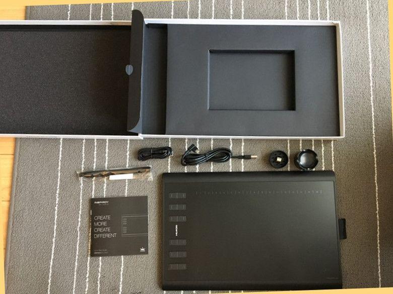 Huion New 1060PLUS 外箱、同梱物