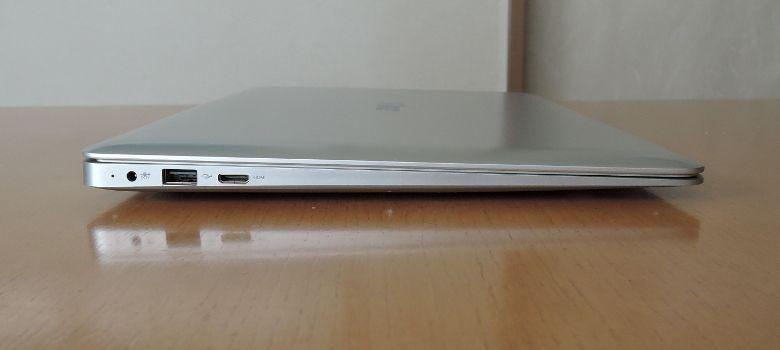 T-bao Tbook X7 左側面