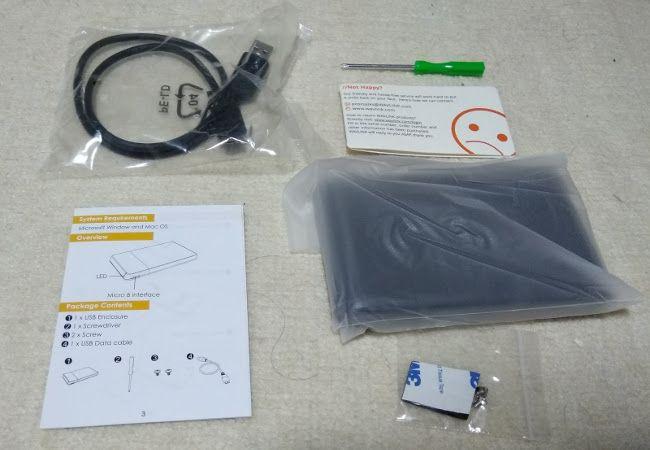 PCストレージの増設 WAVLINKのHDDケース、同梱物