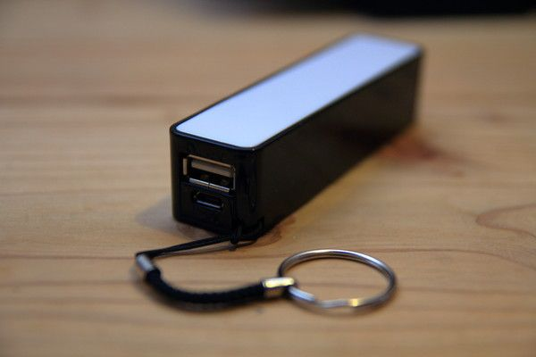 DAISO モバイルバッテリー(ふんぼ)外観