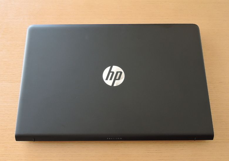 HP Pavilion Power 15 天板