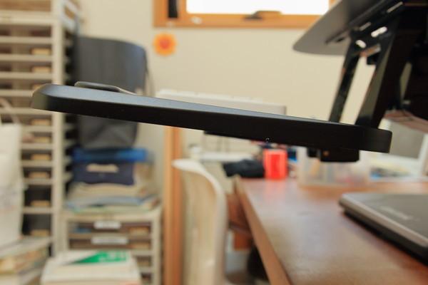 Loctek 昇降式スタンディングデスク F3B キーボードラックの角度調整