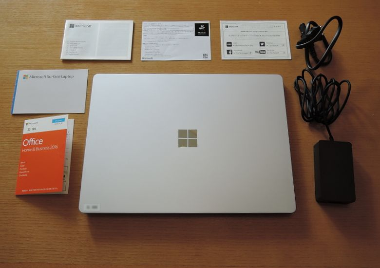 Microsoft Surface Laptop 同梱物