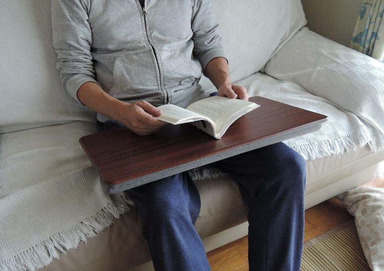 サンワサプライ 膝上テーブル 200-HUS007 読書