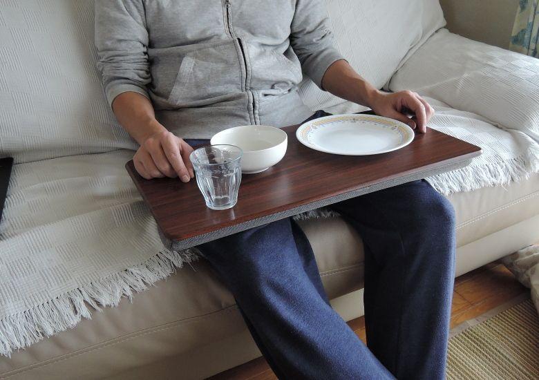 サンワサプライ 膝上テーブル 200-HUS007 食器と