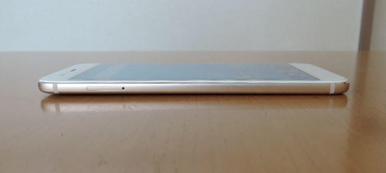 Xiaomi Mi A1 左側面