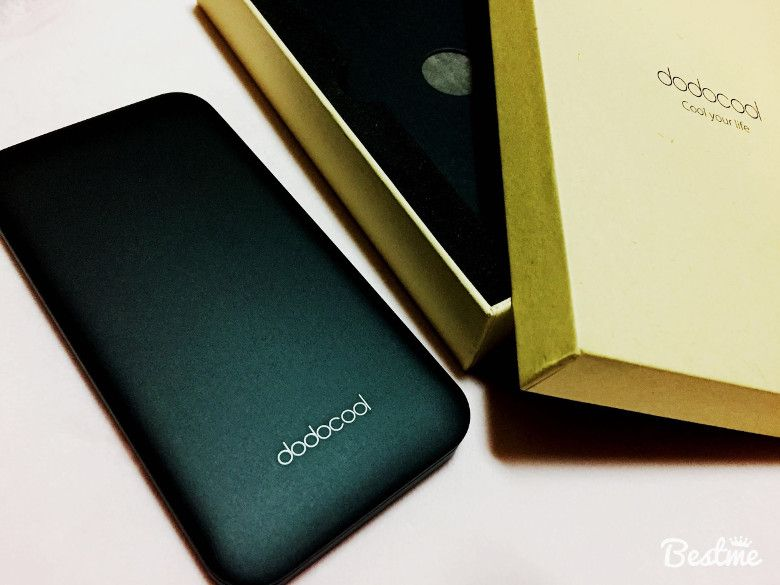 dodocool 10000mAhモバイルバッテリー 箱の中身2