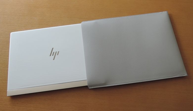 HP Spectre 13(2017年11月モデル)スリーブ1