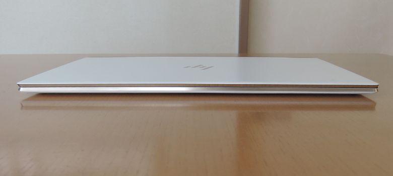 HP Spectre 13(2017年11月モデル)前面