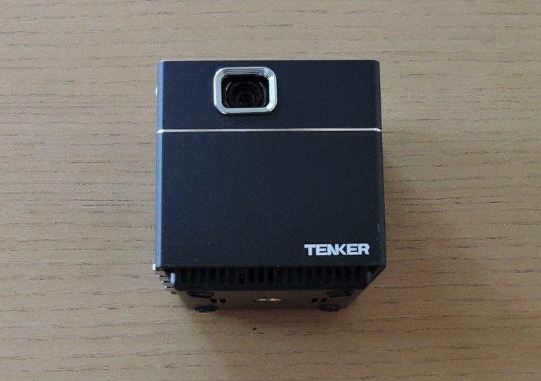 TENKER 超小型プロジェクター 前面