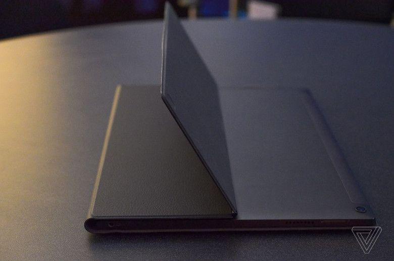 Lenovo Miix 630 構造