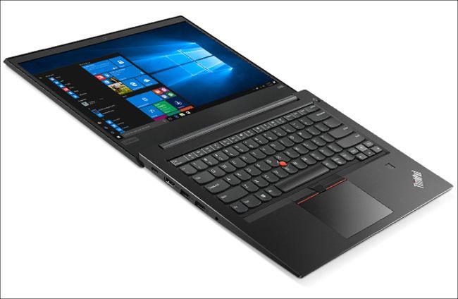 Lenovo ThinkPad E480 ヒンジ水平