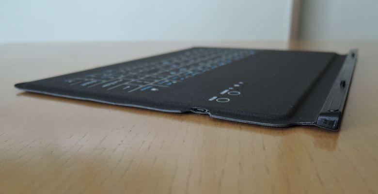 VOYO i8 Plus キーボード側面