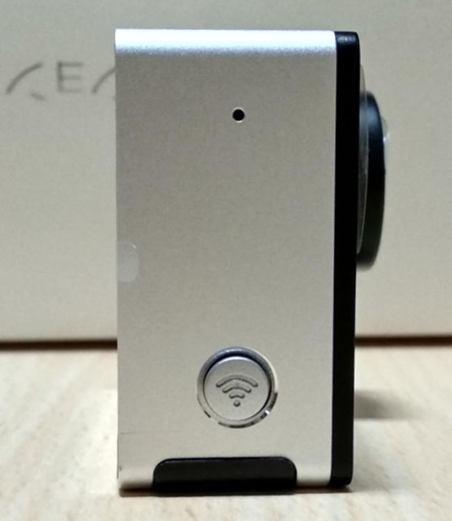 EKEN H6s EIS 4K+ アクションカメラ 左側面