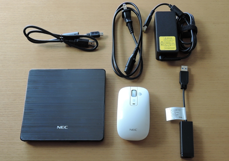 NEC LAVIE Direct NM 同梱物1