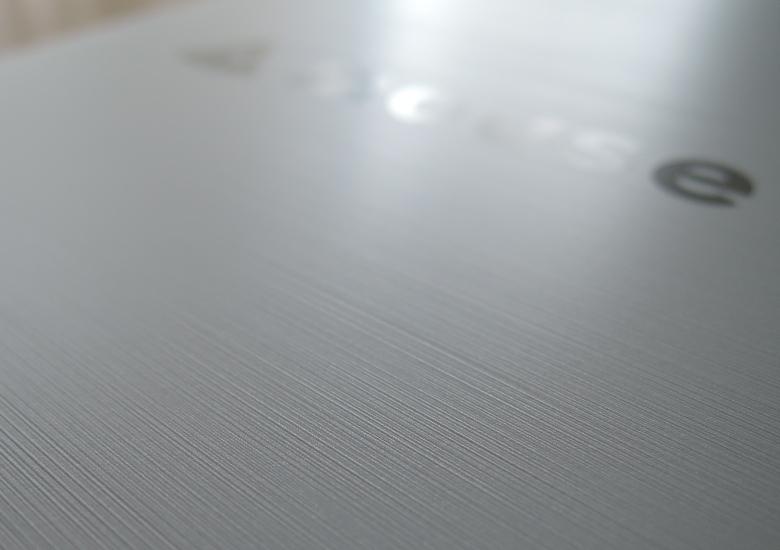 マウス m-Book J 天板2