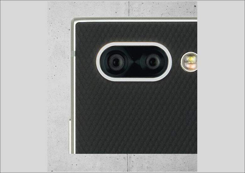 初採用となるデュアルレンズカメラを搭載