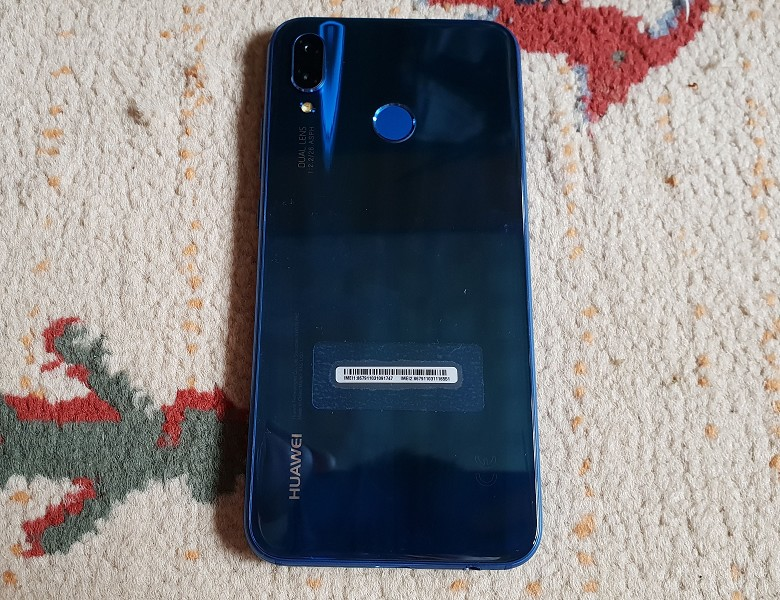 Huawei P20 lite 背面
