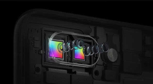 CMOSセンサーはソニー製。