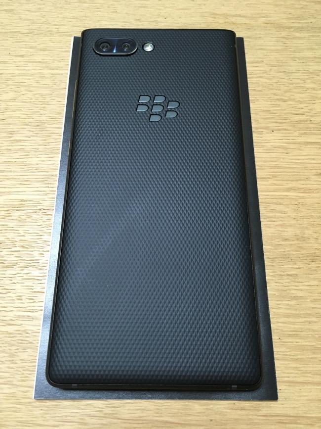 BlackBerry KEY2 背面