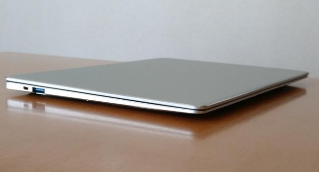 Jumper EZbook X4 左側面