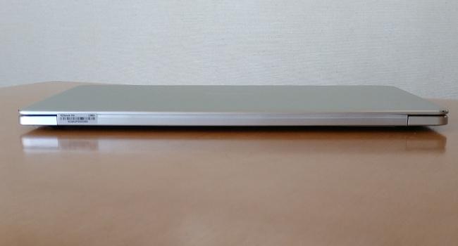 Jumper EZbook X4 背面
