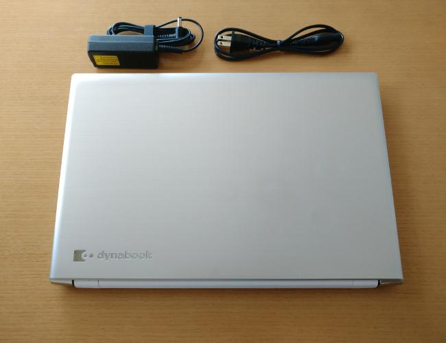 東芝 dynabook AZ65/G 天板とケーブル