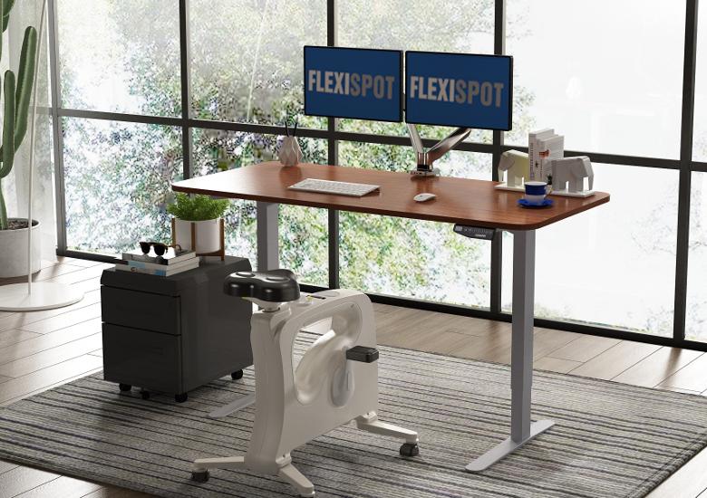 FlexiSpot 電動式昇降デスクとデスクバイク
