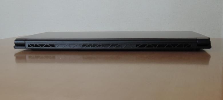 MSI GS65 Stealth Thin 背面