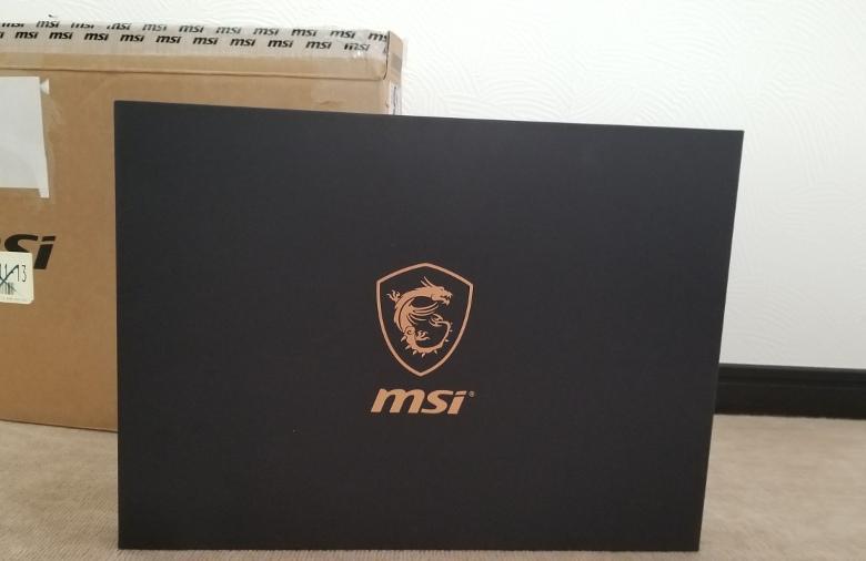 MSI GS65 Stealth Thin 外箱