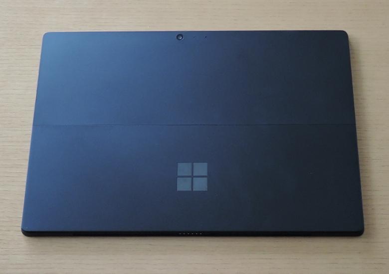 Microsoft Surface Pro 6 背面