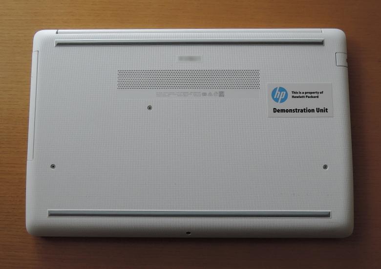 HP 15-db0000 底面