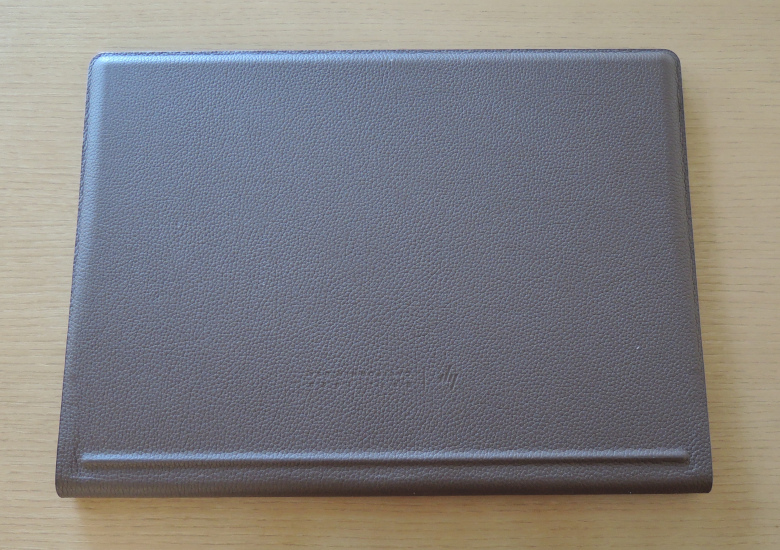 HP Spectre Folio 13 底面