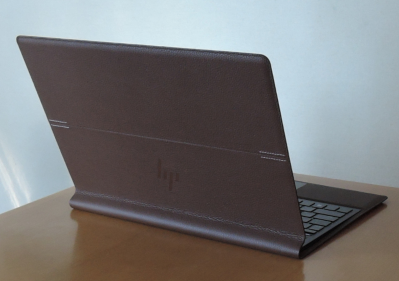HP Spectre Folio 13 後ろから