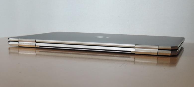 HP Spectre x360 13 背面