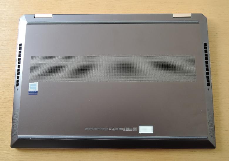 HP Spectre x360 15 底面