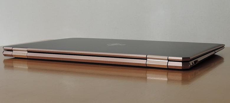 HP Spectre x360 15 背面