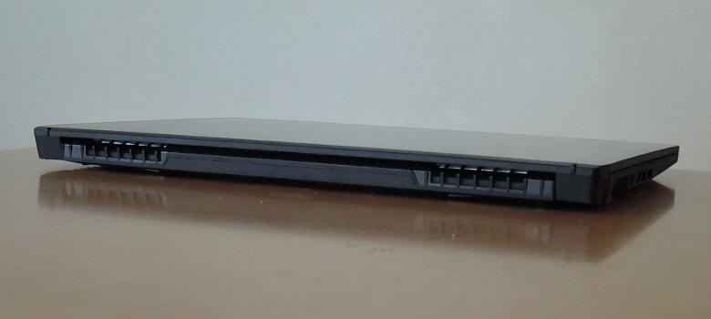 MSI GF75 Thin 背面