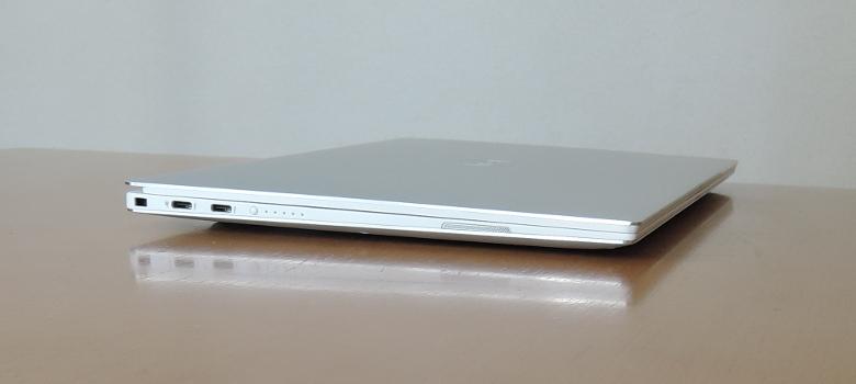 DELL XPS 13(9380)左側面