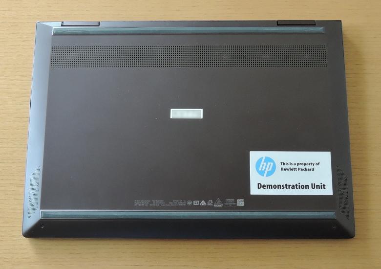 HP ENVY 13 x360 底面