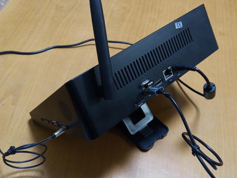 小学生女子は2.4GHzの電波を聞き分けるか?